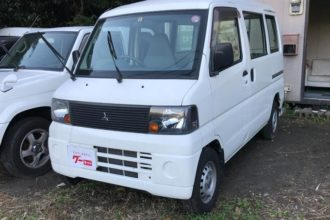 Mitsubishi Minicab van
